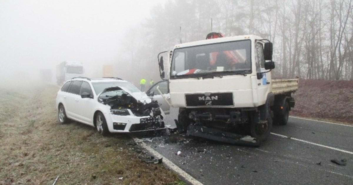 Sonnefeld Lkr Coburg Schwerverletzter Bei Unfall Auf